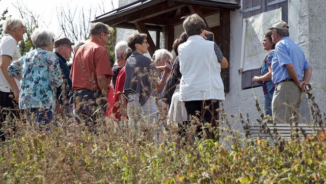 Die Münsinger TrÜP-Guides führen Gruppen über den ehemaligen Truppenübungsplatz Münsingen im Biosphärengebiet Schwäbische Alb.