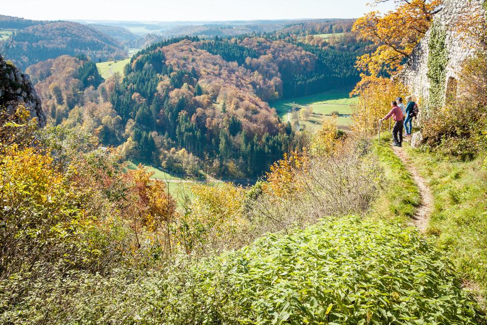 Burgruine Hohengundelfingen - Blick in das Große Lautertal