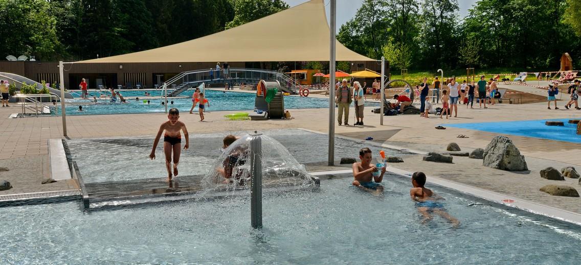 Das Münsinger Freibad im Biosphärengebiet Schwäbische Alb.